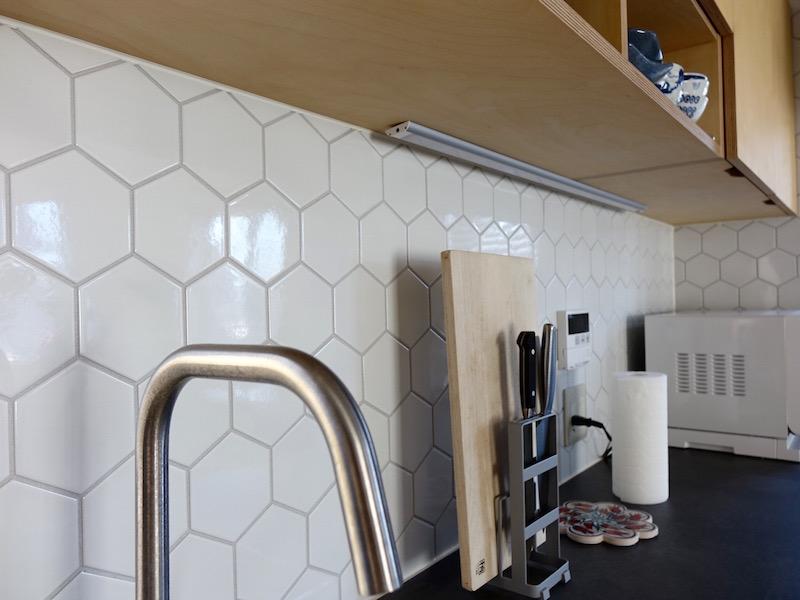 ミッドセンチュリー家具が引き立つシンプルモダンな空間リノベーション